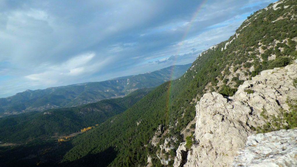 Aspecto de los montes calizos que custodian al río Mundo. Foto: Álvaro García Valero