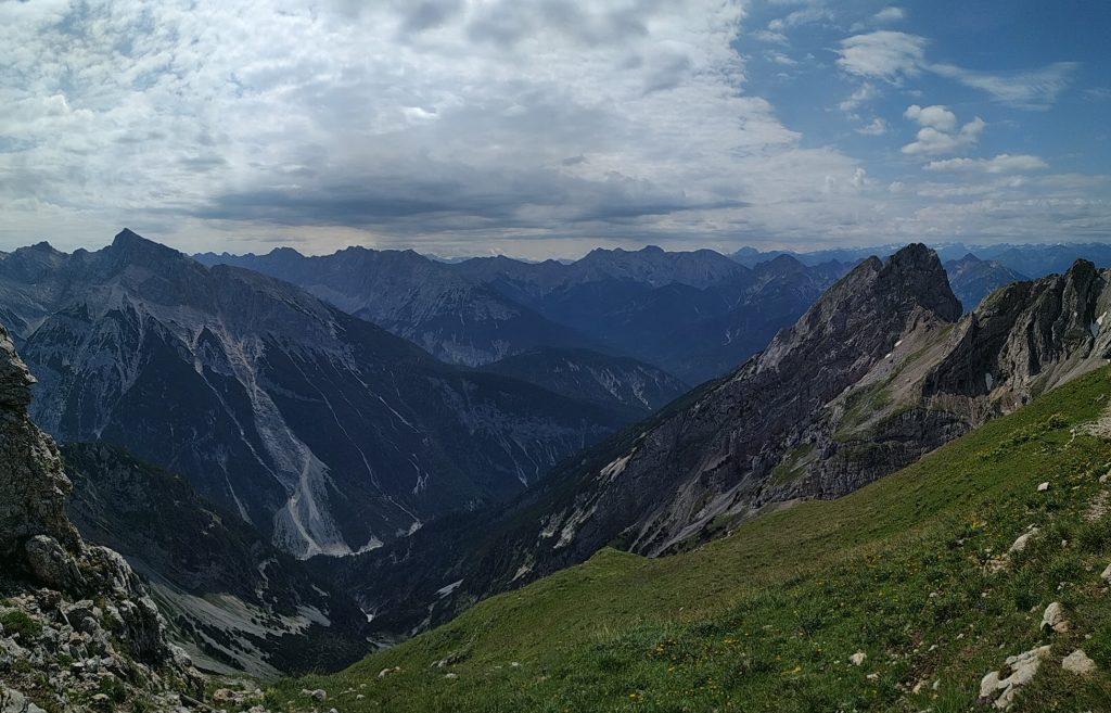 Vistas de los Alpes desde la misma frontera entre Alemania y Austria.